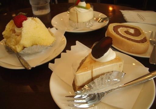 ケーキでお祝い.JPG