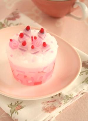 ケーキに乗ってるケーキ.jpg
